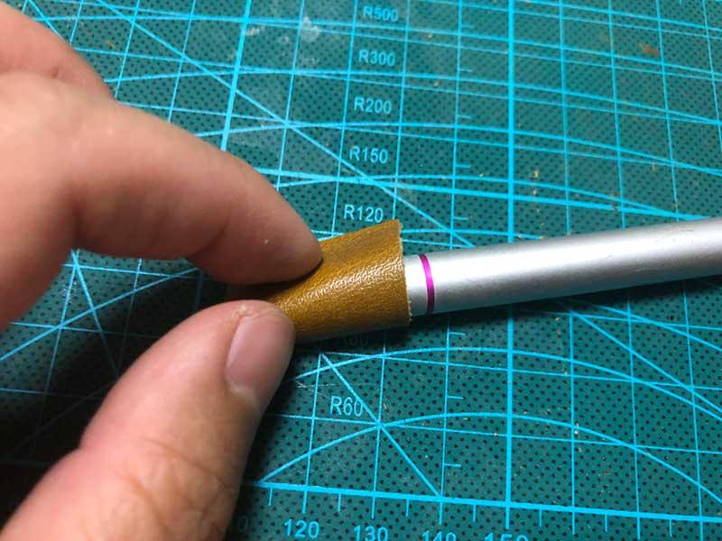 スタイラスペンに巻いてサイズ確認