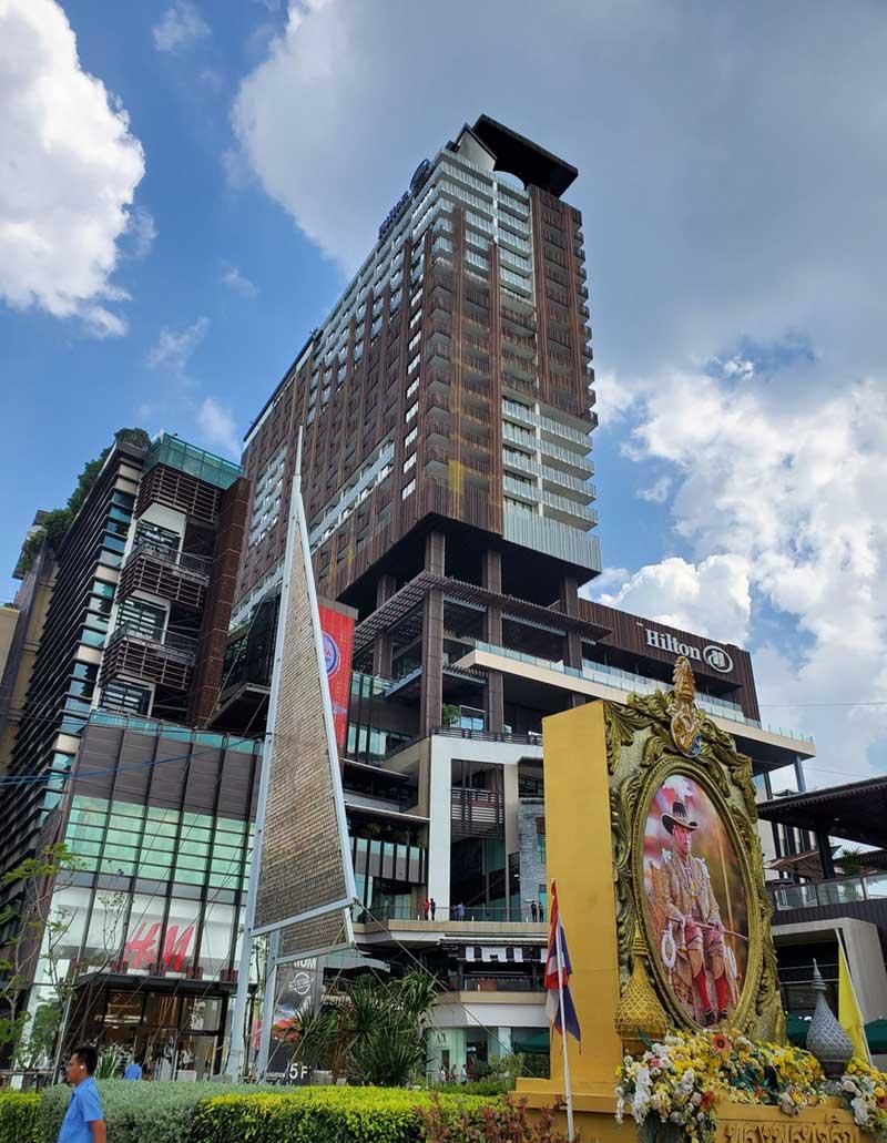 ヒルトンホテル併設の大型ショッピングモール