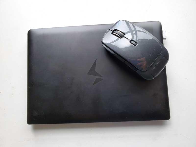 5ボタンで高性能なのに小型のマウス