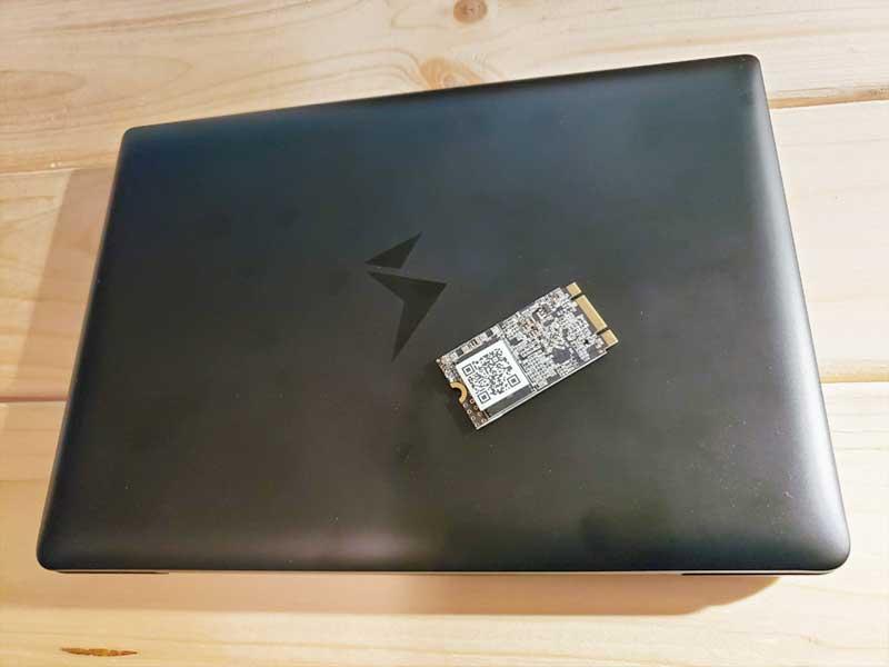 MAG1にSSDを増設