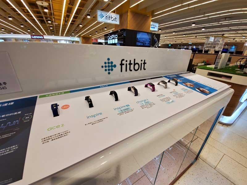 fitbitも全種類ある