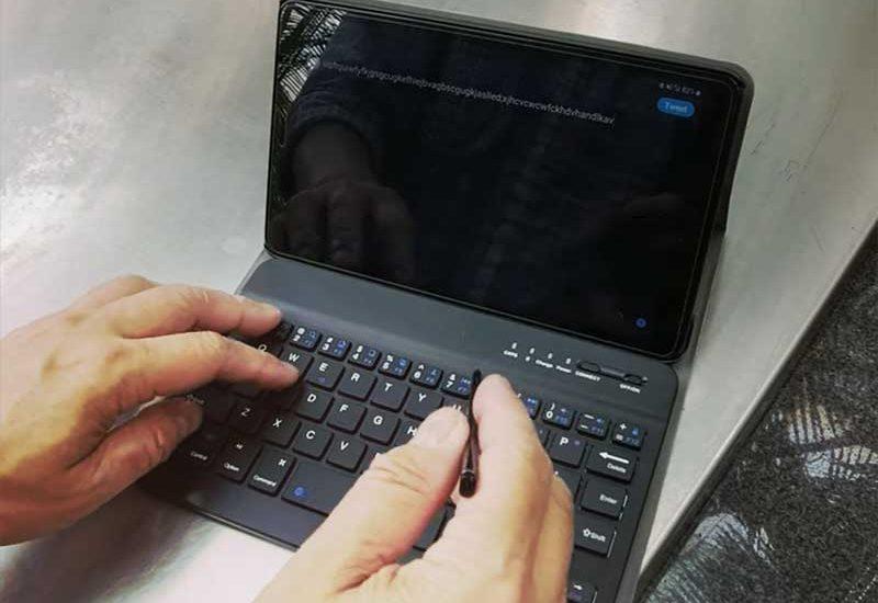 【Galaxy Tab A 8.0″ (2019) with S Pen専用キーボードケース】激安UMPCになれるかも!