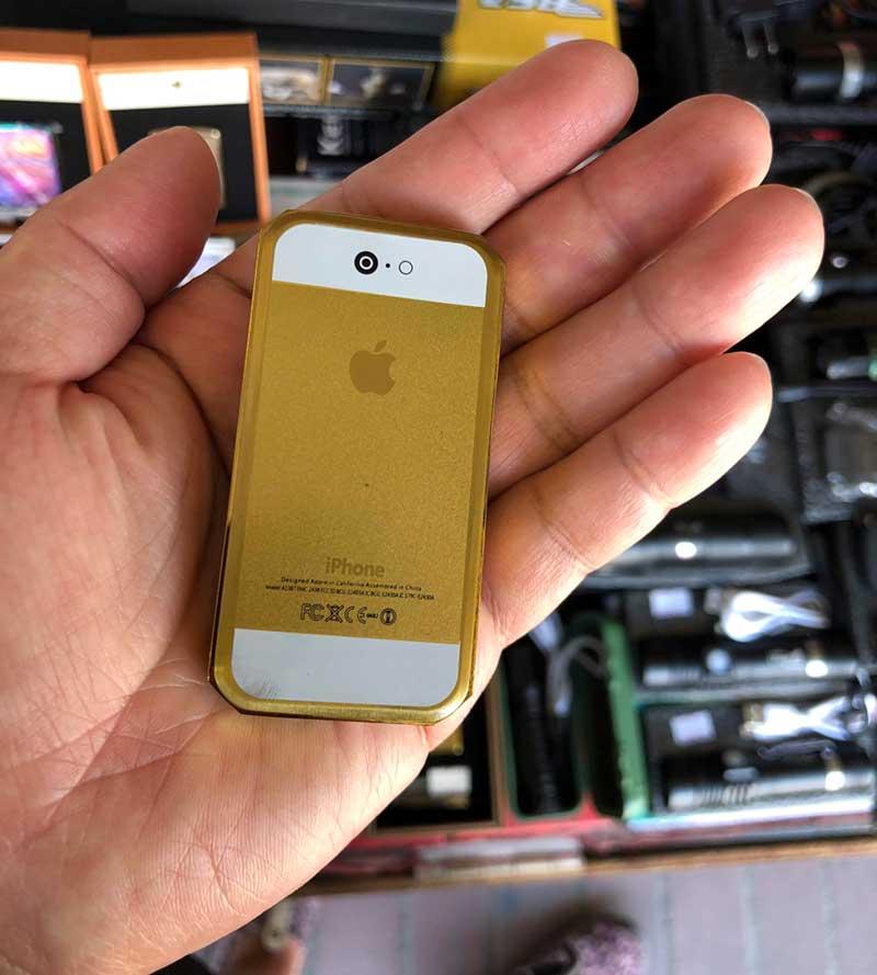 こっちのiPhone型電子ライターは