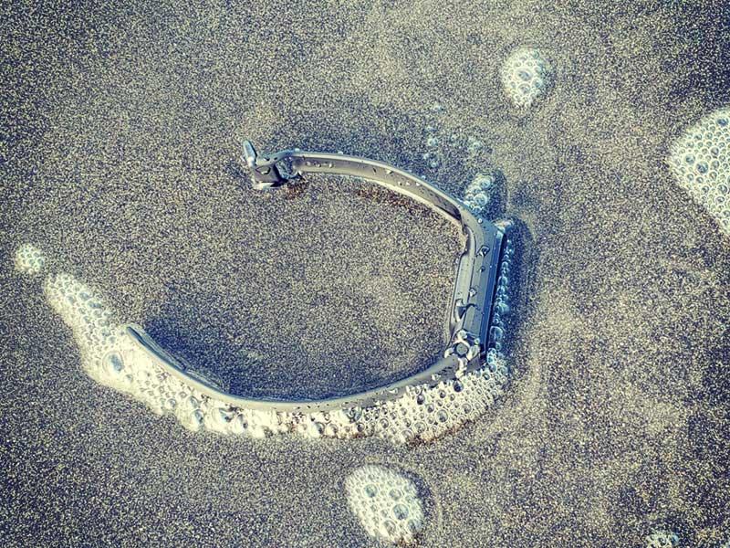 当然海水まみれに