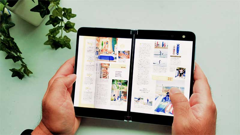 雑誌も2画面で見開き表示